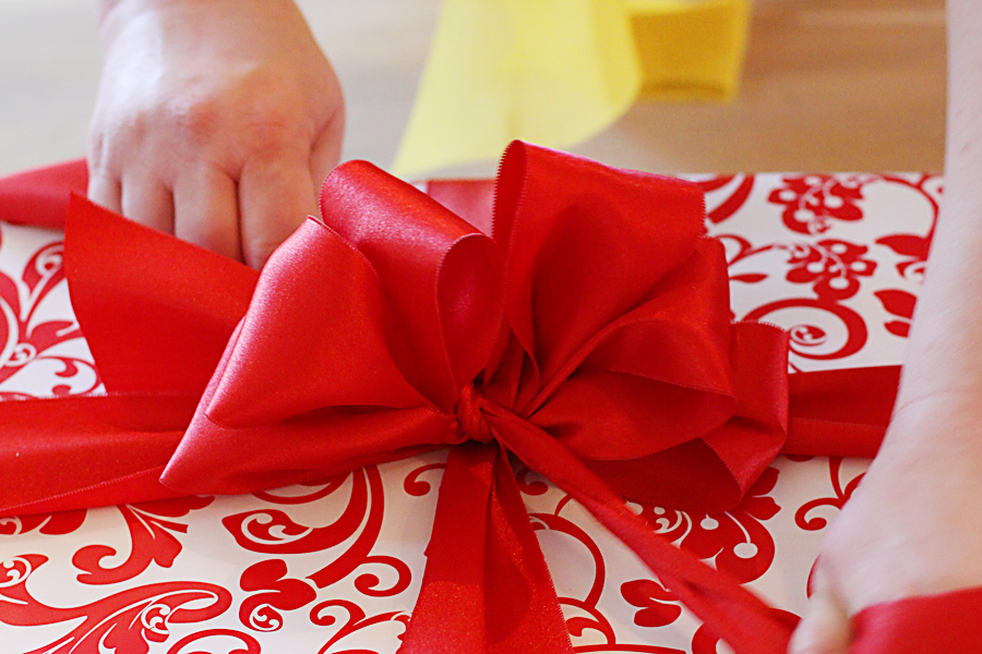 www.accidentalokie.com | gift wrap