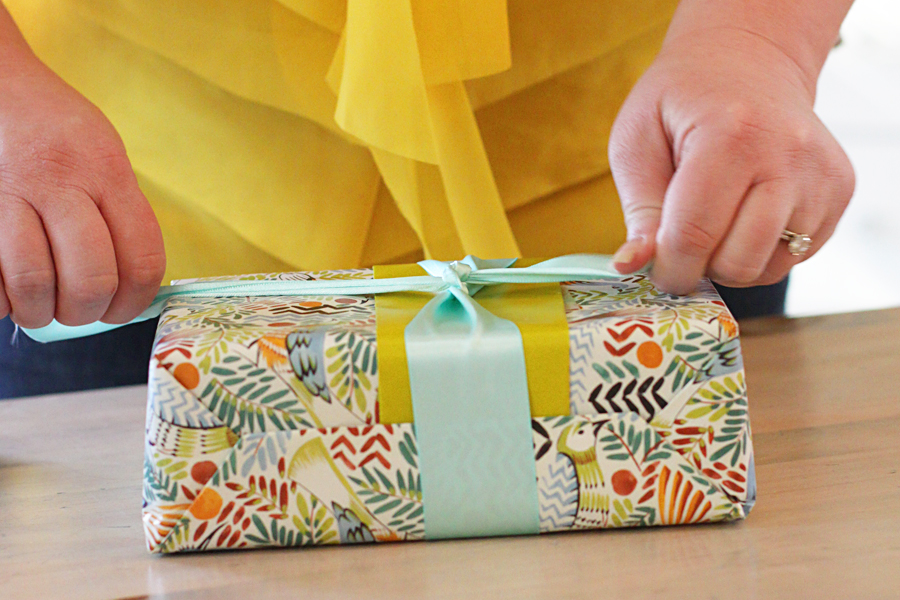 www.accidentalokie.com | gift wrapping